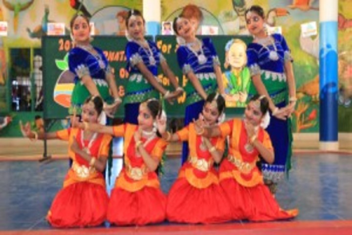 CMI  Public School-Dancing Activity