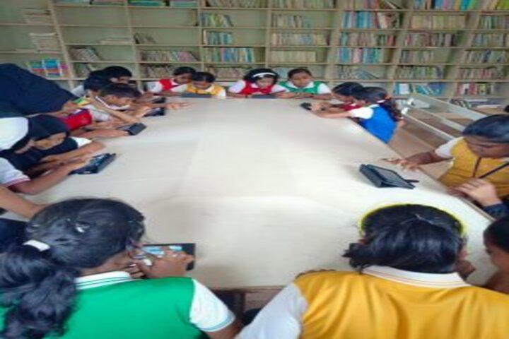 Eastern Public School-Labrary