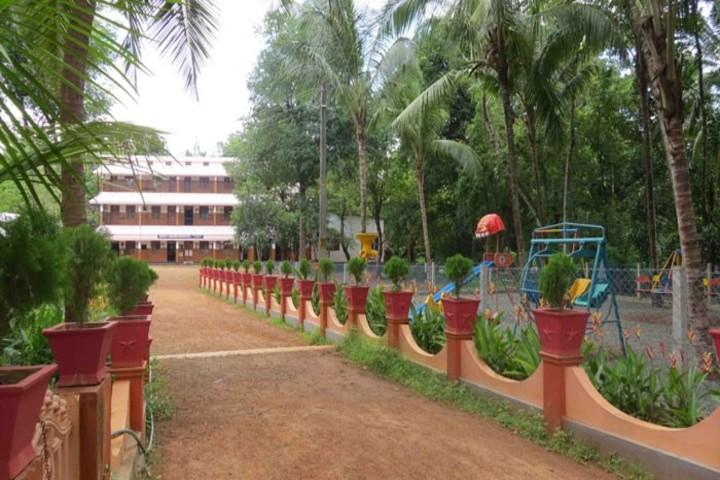 Holy Cross School-Campus