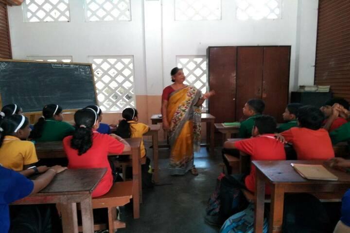 Holy Kings Public School-Classroom