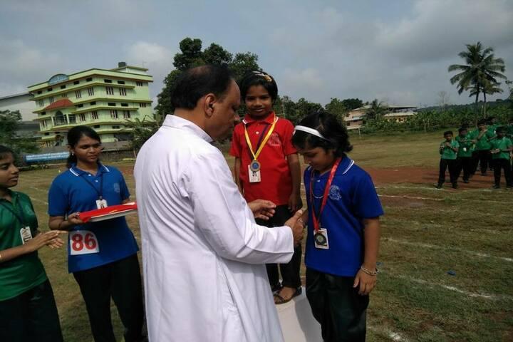 Holy Kings Public School-Prize Distribution