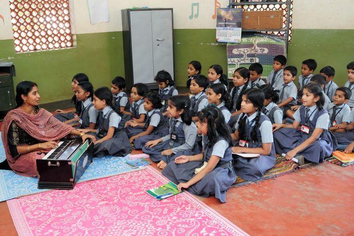 I E S Public School-Music Class