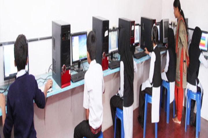 Ideal English School-Computer Lab