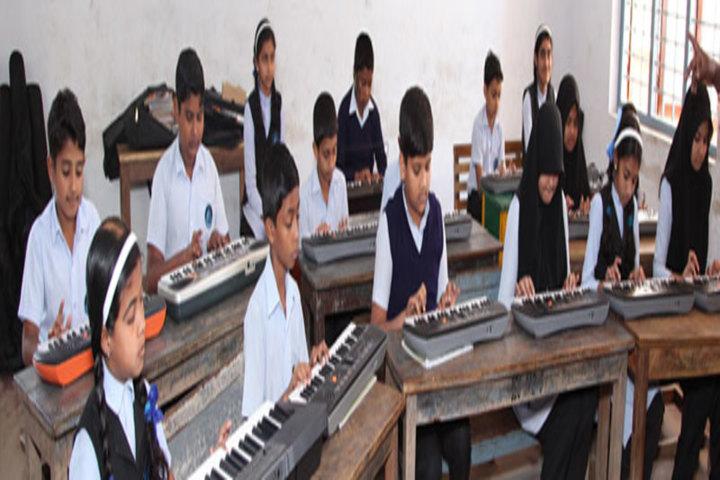 Ideal English School-Music Class