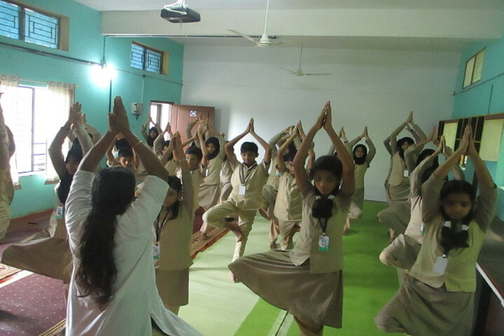 Islahi English Medium School-Yoga