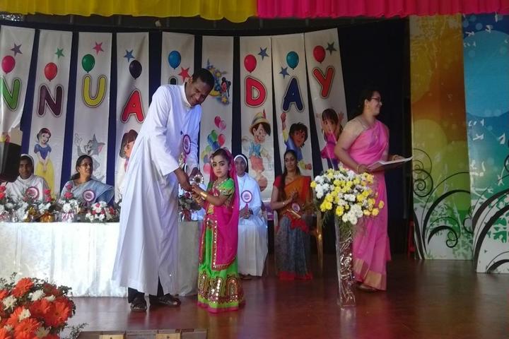 Jaimatha English Medium School-Prize Distribution