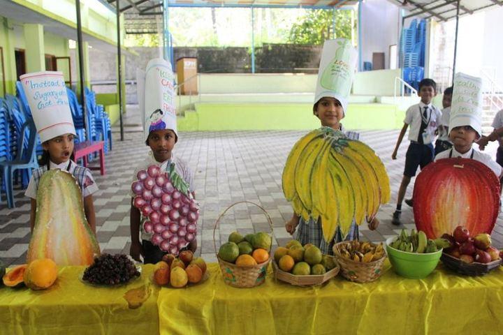 K P M Model School-Fruit Fest
