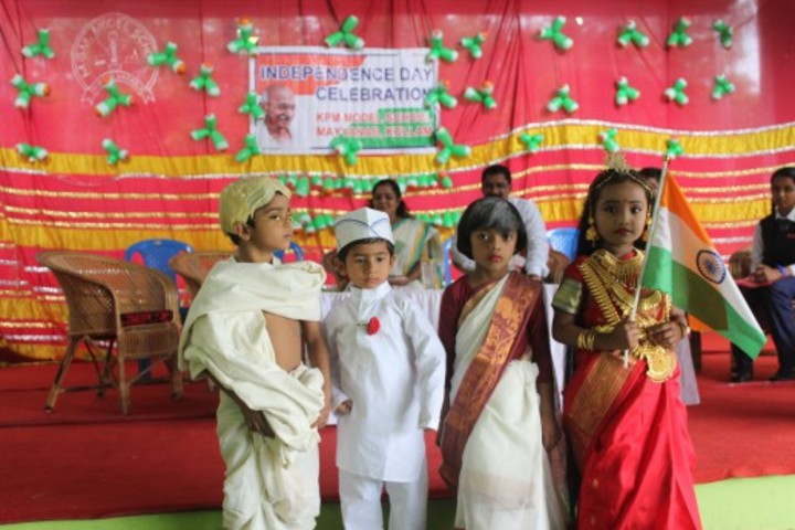 K P M Model School-Independence Day