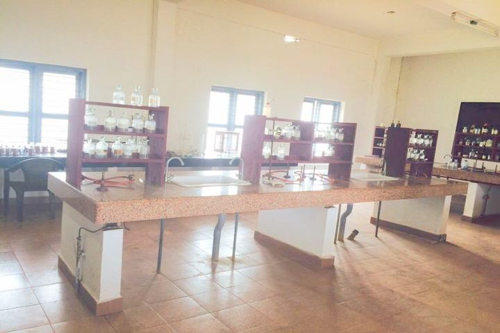 Kaoser English School-Chemistry Lab