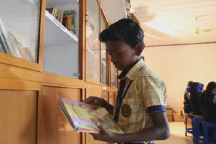 Koppam English Medium School-Library