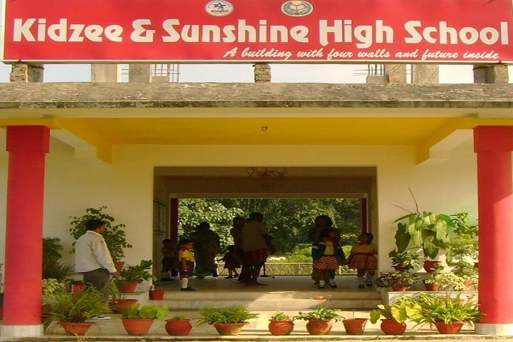 Kidzee And Sunshine High School-School entrances