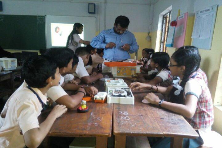 Lords Public School- Science Lab