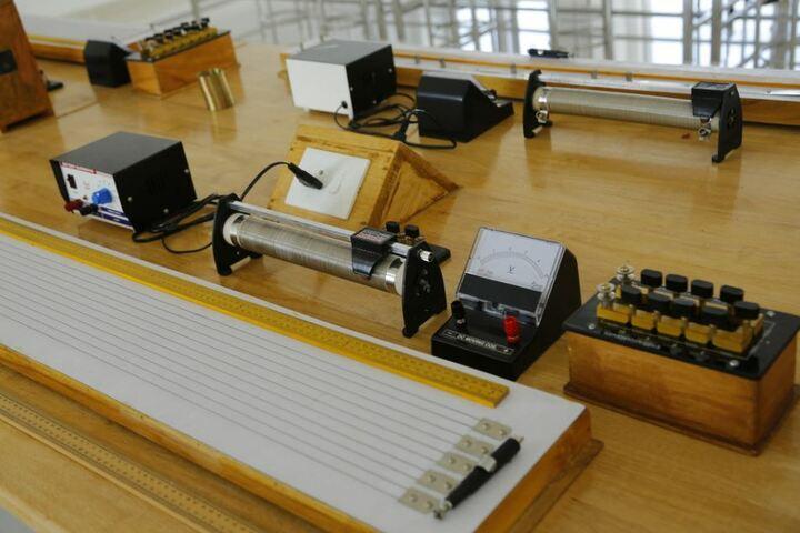Manglalam English Medium Residential High School-Physics Lab