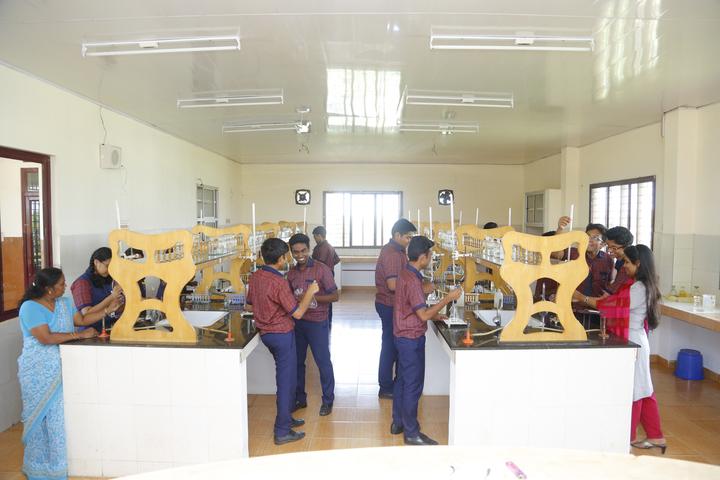 Mar Thoma Public School-Chemistry Lab