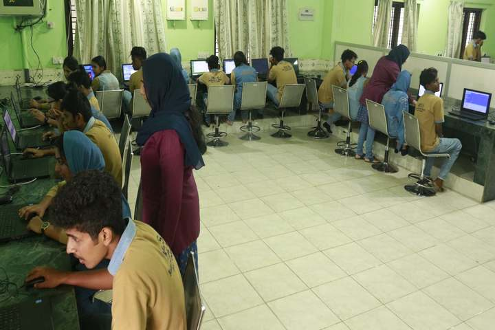 Mes International School-Computer Lab