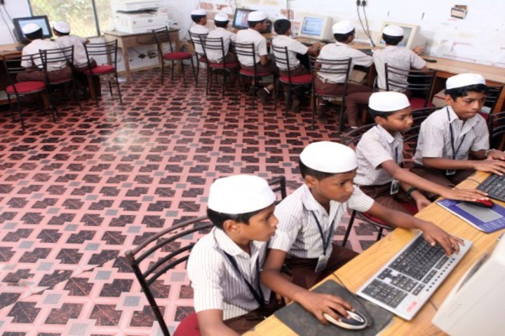 Moloor Central School-Computer Lab