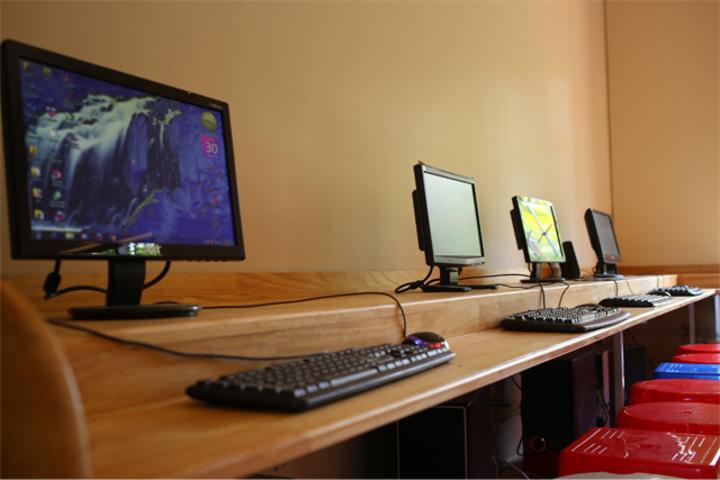 Mujamma English Medium School-Computer Lab