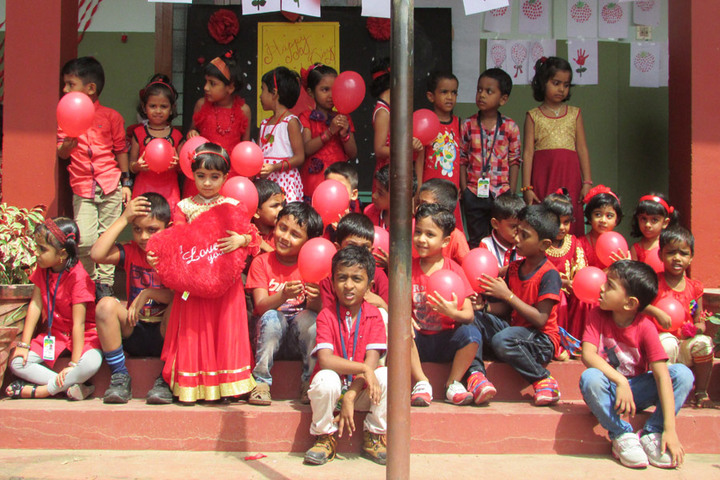 Nadvathul Islam English School-Red Day Celebration