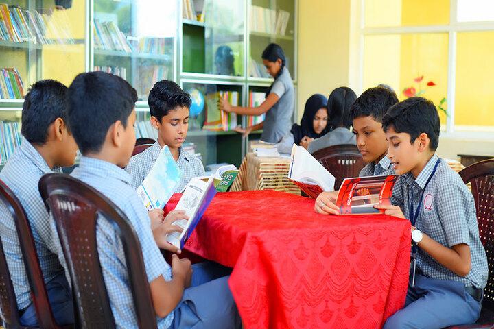 Narikkuni English Medium School-Library