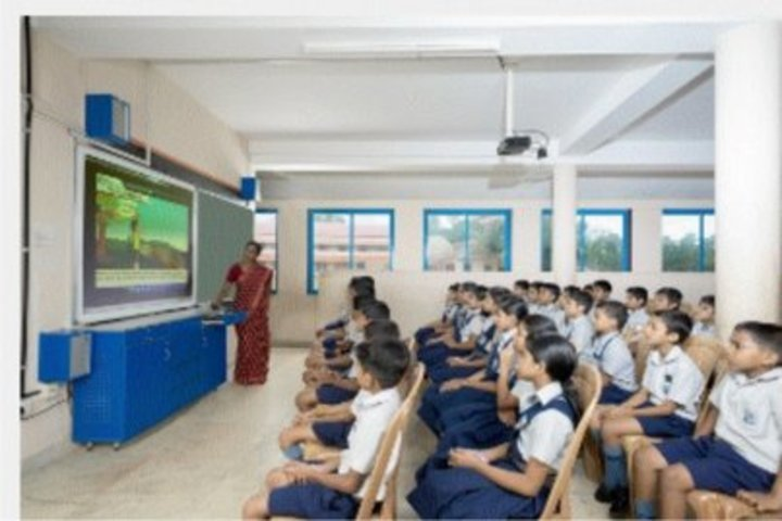 Nava Nirman Public School-Smart Class