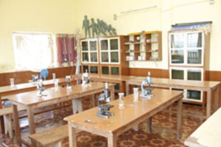 Prashanti Vidya Kendra-Science Lab