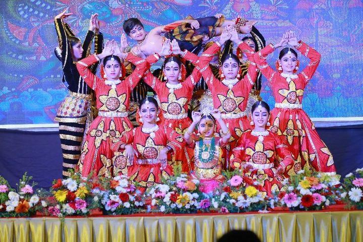 S D V English Medium Higher Secondary School-Dance