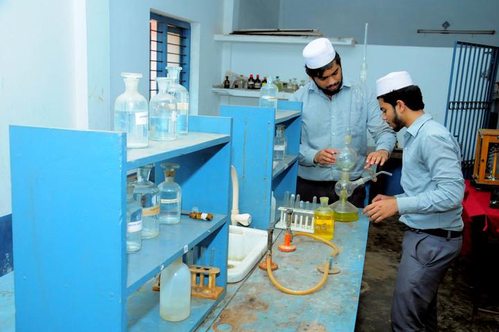 Sa Adiya English Medium Residential Senior Secondary School-Chemistry lab