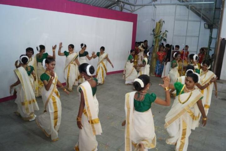 Sacred Heart CMI Public School-Dance