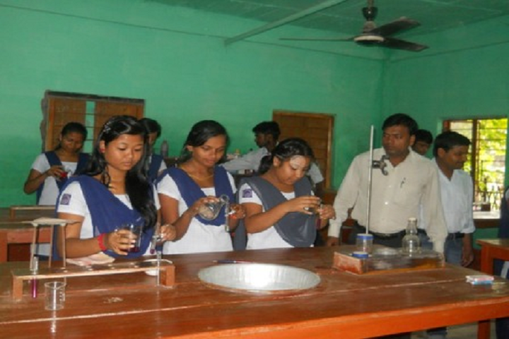 Prabhat Tara Children English Academy- Chemistry Lab