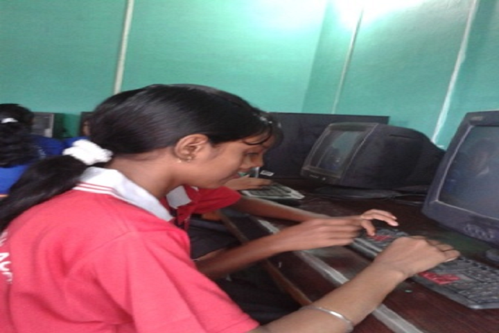 Prabhat Tara Children English Academy-Computer Lab