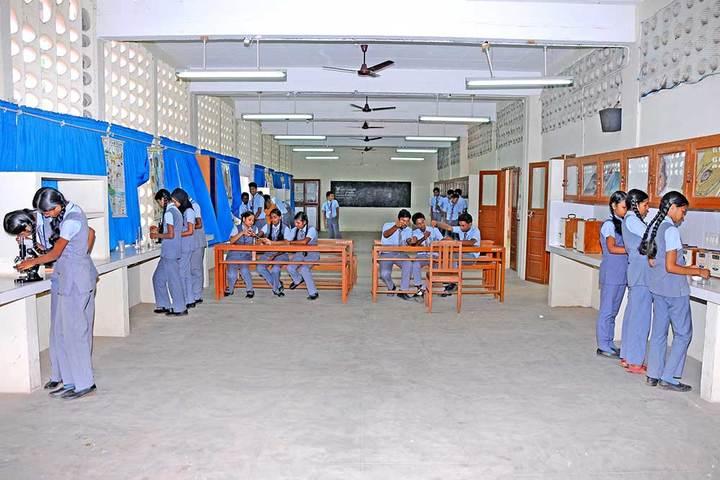 Santa Cruz Public School-Lab3