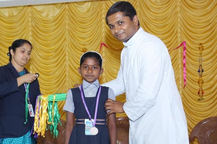Santhom Public School-Prize distribution