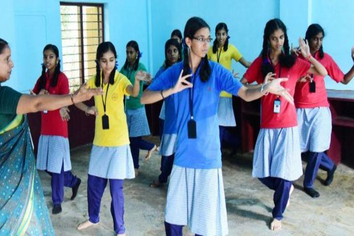 Saraswathy Vidya Niketan School-Dance