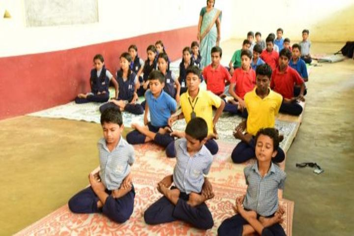 Saraswathy Vidya Niketan School-Yoga