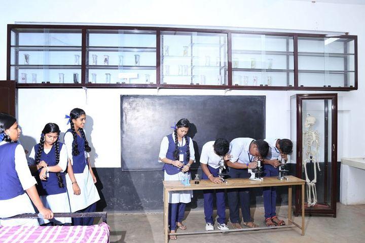 Saraswathy Vidyalayam School-Physics Lab