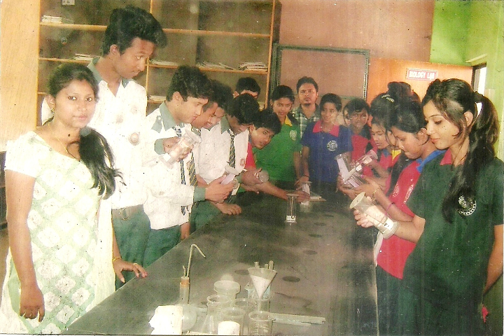 Rajdhani Public School- Chemistry Lab