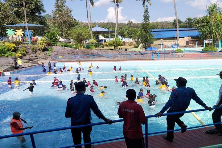 Sree Narayana Guru Memorial Central School-Swimming
