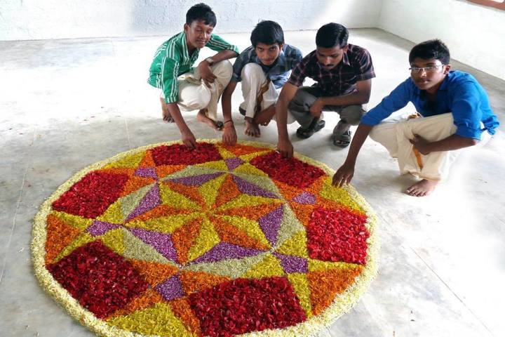 Sreekrishnapuram Central School-Floral Competition