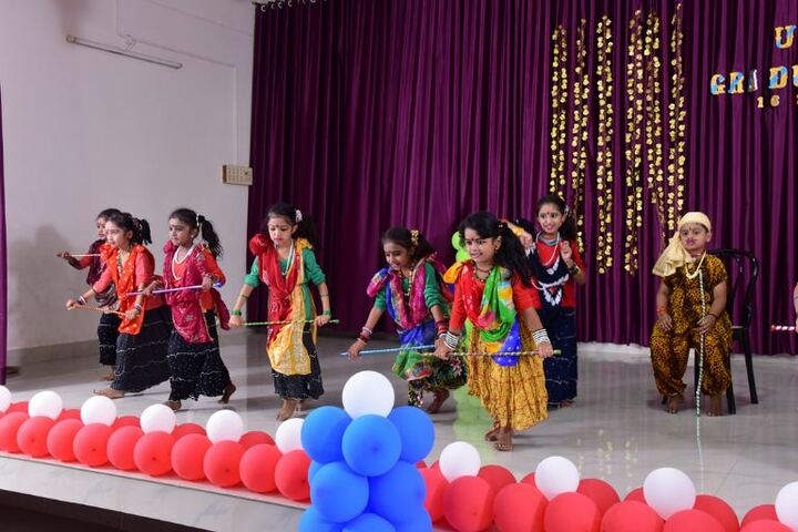St Anns English Medium School-Dance Performance
