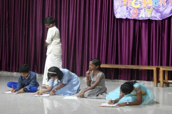 St Anns English Medium School-Teachers Day