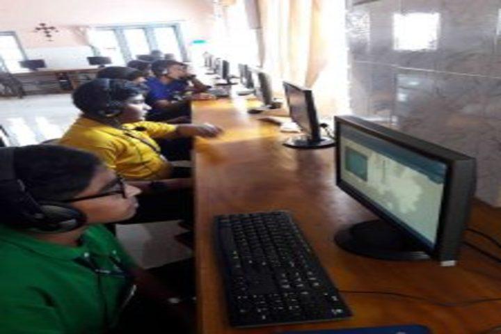 St Kuriakose Public School-Computer Lab