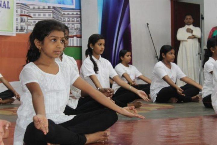 St Kuriakose Public School-Yoga