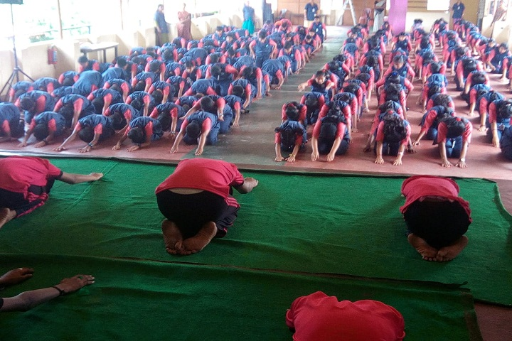 St John The BaptistS English School-Yoga
