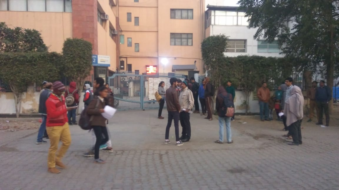 STUDENTS%20WAITING%20FOR%20GATE%20TO%20OPEN